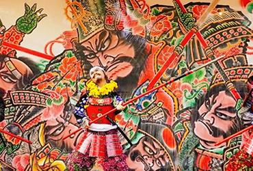 紅葉季▶等身菊人形華麗現身.菊與紅葉祭盛大舉行【青森弘前城】