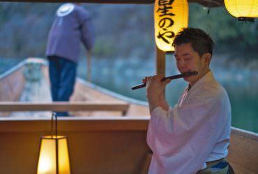 京都【秋季頂級之旅】嵐山月下乘舟.佐以和樂器品茗賞月酒