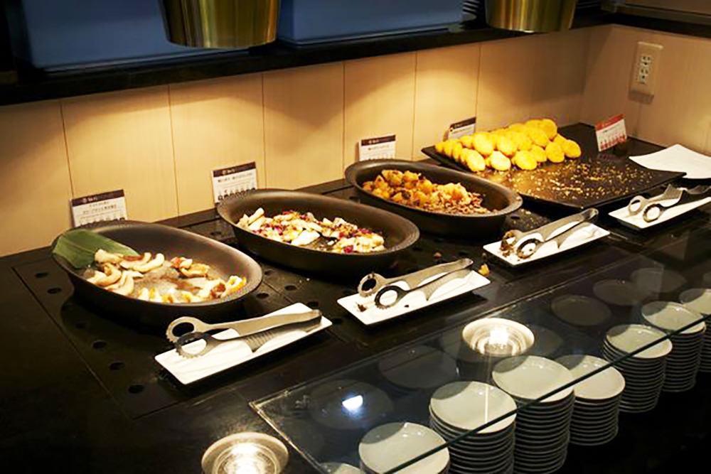 【札幌美食】札幌舊道廳旁「紅磚露臺」鶴雅自助餐Tsuruga Buffet