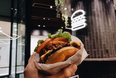 《Shake Shack》被評選為紐約第一的漢堡,在速食王國中的美國竟有如此頭銜!?